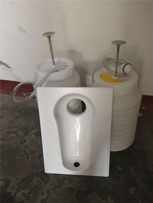 旱厕化粪池冲水桶冲厕器生产厂家
