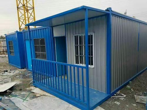 深圳龙岗哪里有做集装箱活动房的这种房子价钱如何