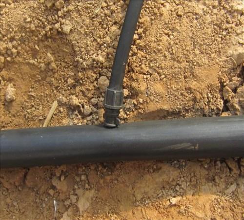 内镶式滴灌管生产厂家生产外接式管件厂家莱芜市莱城区润农节水灌溉设备有限公司