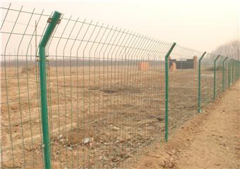供应铁丝网圈地护栏网、绿色圈地护栏网厂家直销