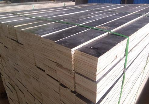 包装用打钉的胶合板或多层板垫腿条腿木方