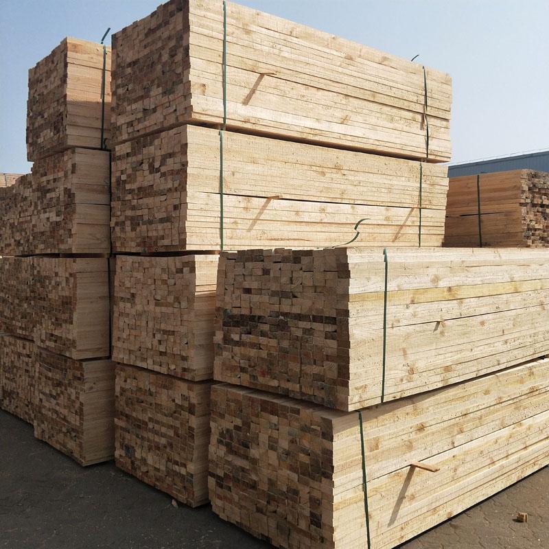 沪兴木业批发建筑木方工地加工定制倒角辐射松澳松无节材