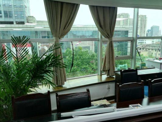 昆明客厅玻璃贴膜、上门施工、包工包料