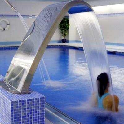 游泳池配套设施