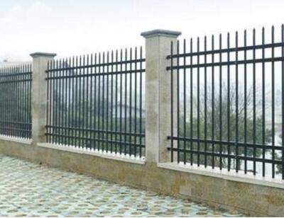 供青海铁艺围栏和格尔木锌钢护栏