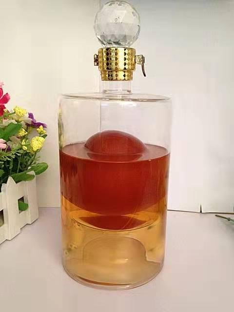 高硼硅玻璃酒瓶生产厂家订制耐高温手工玻璃酒瓶