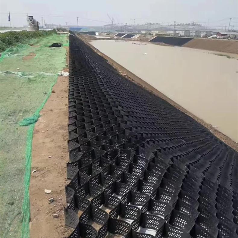 吉林河道治理蜂巢土工格室填土種植河道護岸土工格室