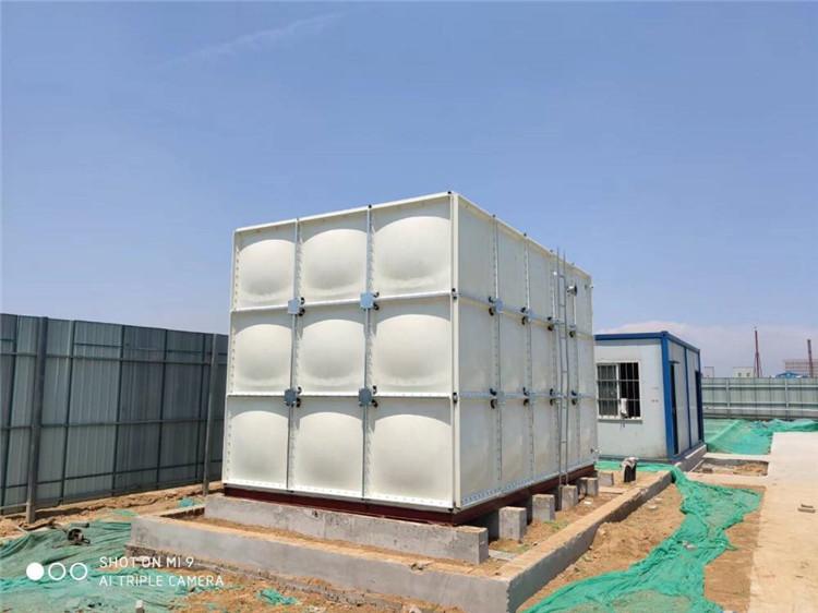 呂梁供應食品級飲用水水箱玻璃鋼消防水罐