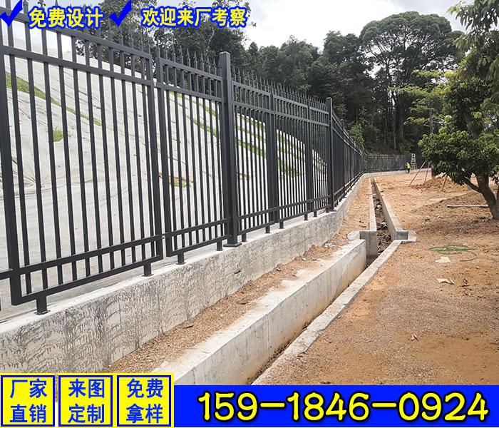 鍍鋅鋼管護欄多少錢一平米 陽江城市道路隔離護欄 帶雕刻圖案