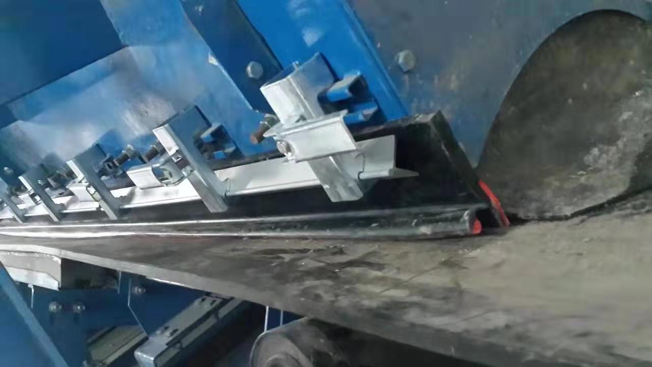40*40角鋁 m16不銹鋼螺栓 防溢裙板加持器
