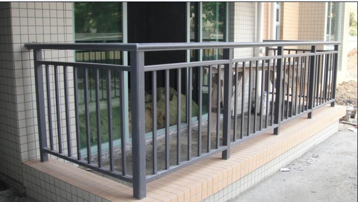 湛江学校阳台栏杆小区空调机围栏楼梯锌钢扶手包安装