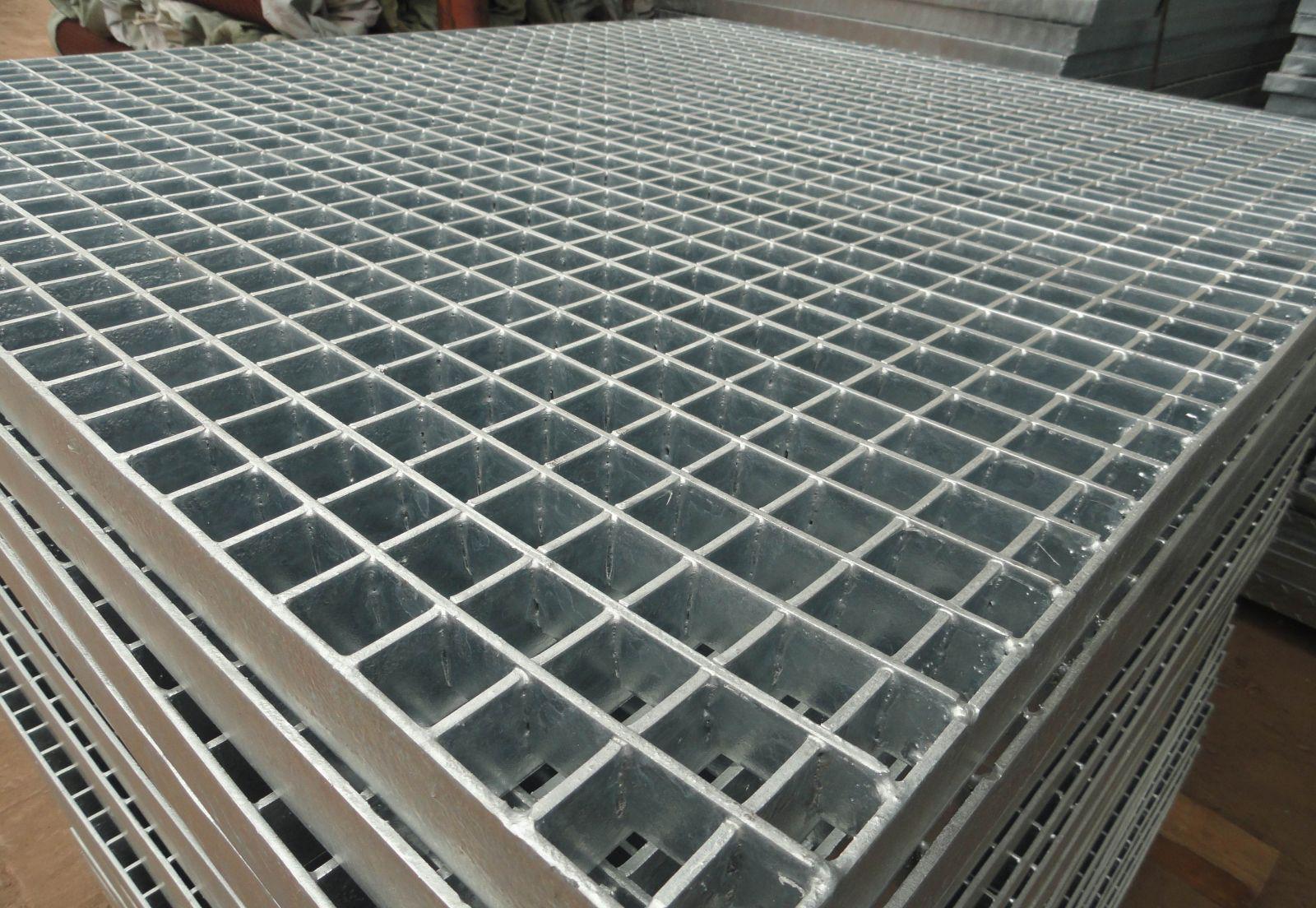 定做扇形钢格栅平台镀锌踏步板深圳市政水沟盖板