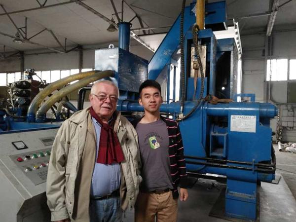 圣博1250噸臥式鐵屑壓餅機全自動