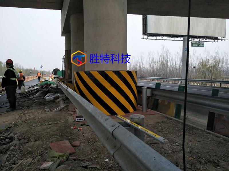 防車撞柔性橋墩防撞和剛性橋墩防撞的不同