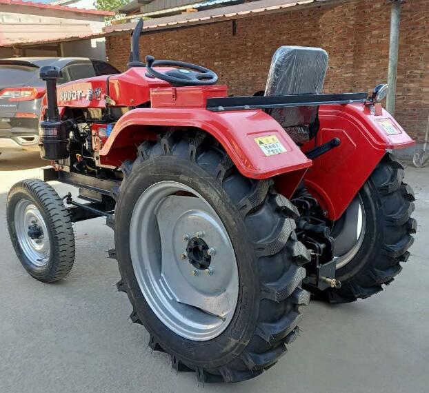 四輪拖拉機培土機