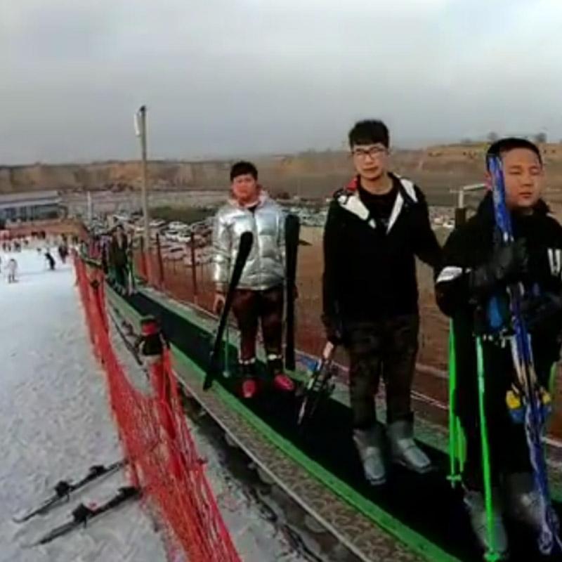 滑雪場魔毯獨立的掃雪裝置 諾泰克魔毯安裝費用
