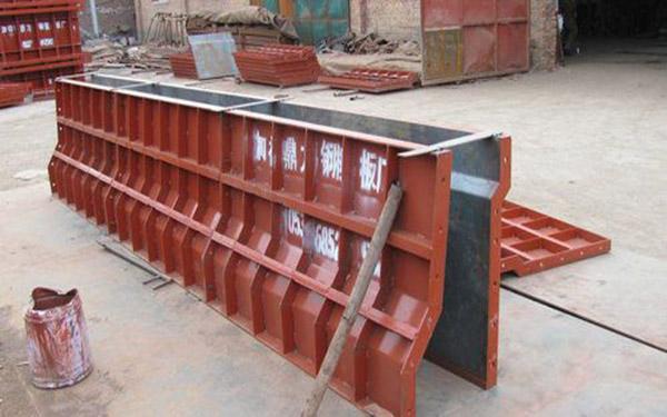 護欄模板租賃、護欄模板出租、防撞護欄模板出售