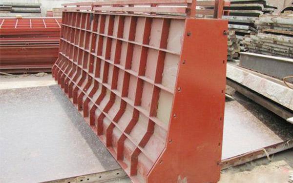 山東廠家出租防撞護欄模板、護欄鋼模板租賃價格