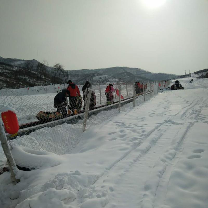 雪場電梯一鍵開啟加熱系統 諾泰克供應雪場輸送帶