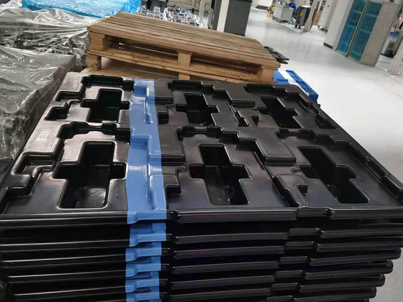 汽車部件運輸吸塑托盤采用abs與tpu復合吸塑加工上海利久